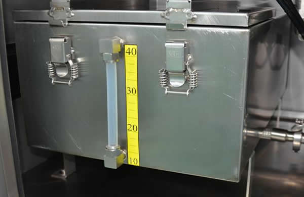 Stainless steel liquid tank with level display , which can  contain various types of  acid and alkali resistant cleaning liquid.