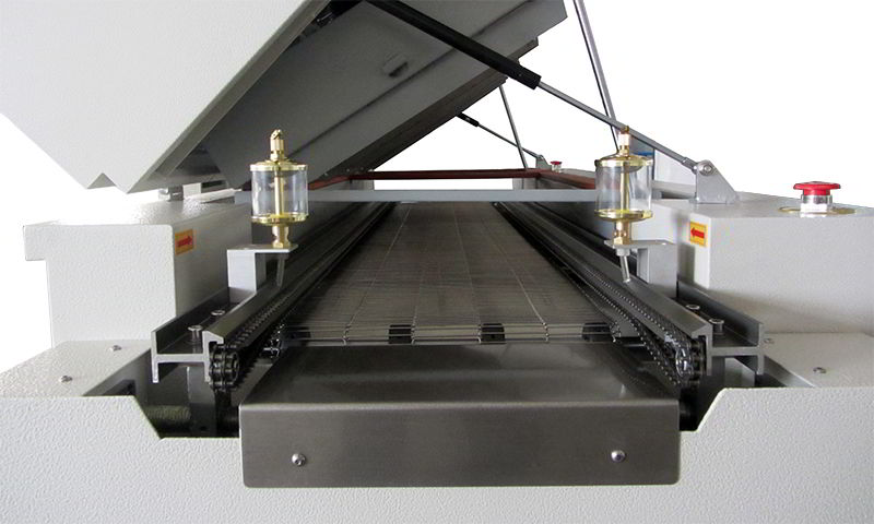 Chain and mesh belt conveyor