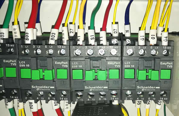 High quality electrical parts like Schneider contact ensure long service life of machine.