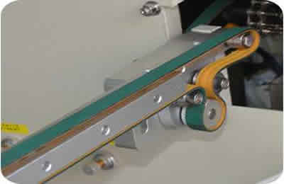 Load pallet process use flatness belt to drive.