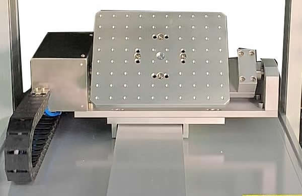 Programmable tiltable  Y axis with 90 degree rotatary platform realize no dead angle glue dispensing.