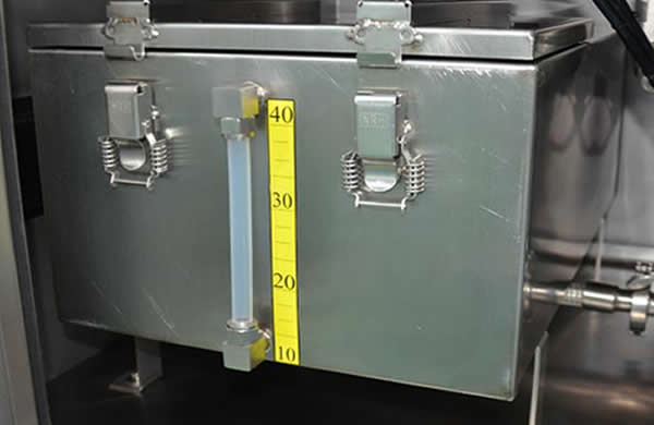 Stainless steel liquid tank with level display, which can  contain various types of  acid and alkali resistant cleaning liquid.