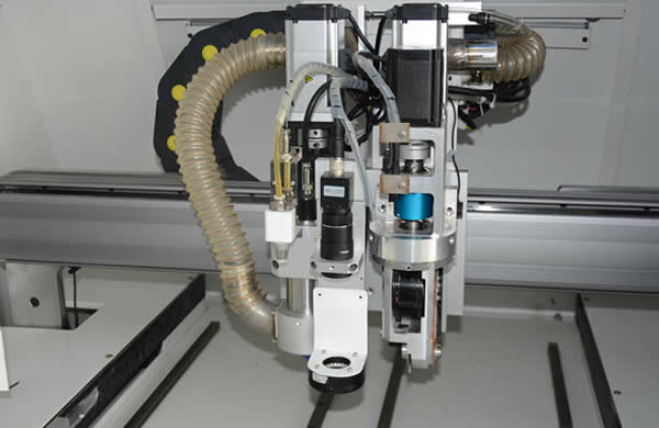 X,Y1,Y2,Z1,Z2 axis adopt panasonic  servo motor and it's driving system ,ball screw drive with rail & slider, make  movement smoothly and precisely.