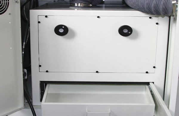 Built in 2.2KW vaccum cleaner provide a clean and low noise work enviroment.