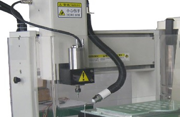 Optional ion air gun,ion wind is generated during the cutting process of the machine, which can eliminate static electricity generated on the PCB during cutting.