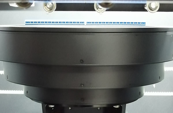 The top of the RGB 3 color light source  is equipped with a air blow-type cleaning device, which can effectively clean the foreign matter such as tin dross on the top of the RGB 3 color light source.  Keep the CCD and RGB 3 color light source clean.